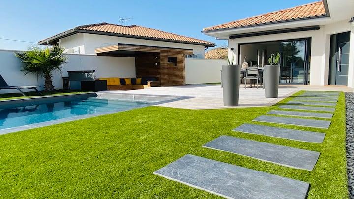 Bassin d'Arcachon , Villa avec piscine et jardin