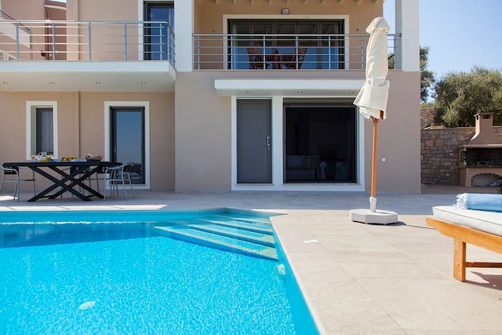 2020 Early July Offers: Villa Pasithea 10%Discount