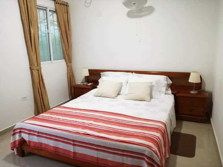 Private room near airport, beach and walled city