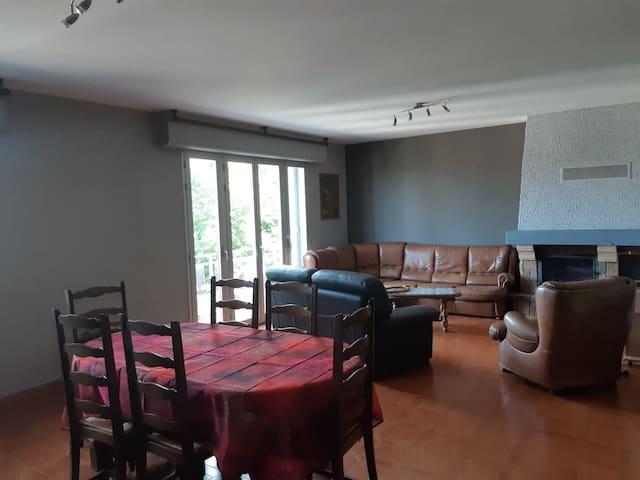 Bel appartement avec vue à louer