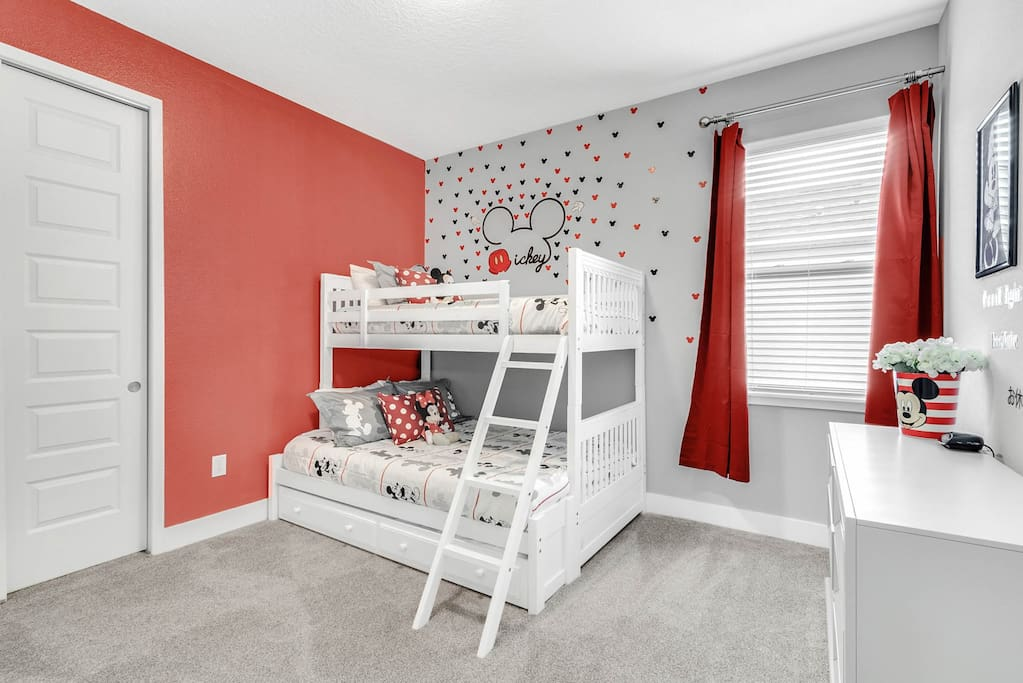 Mickey themed room with bunk bed (2 Twins and Full sized bed)