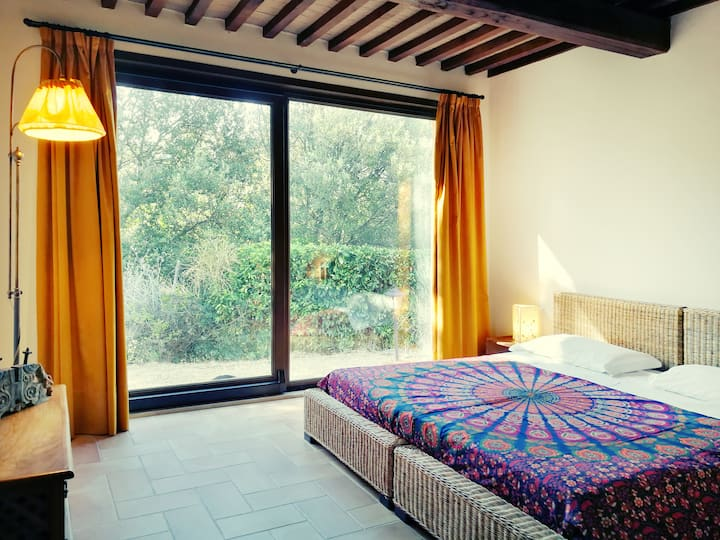 Sleep in the Woods. Relax and Silence in Tuscany.