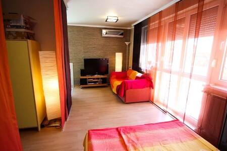 Quiet apartment with big balcony 2+2 - Siófok