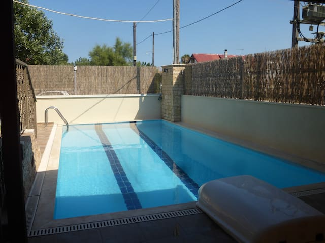 Eco small house with a swimming pool - Agios Panteleimon