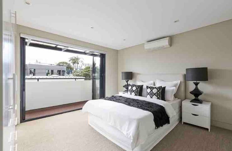 SPACIOUS Place in the heart of Sydney