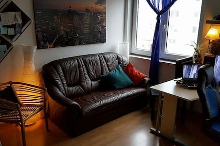 Sofa at Shared room: Sunny, tidy, big and nice - Koblenz - Apartment