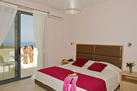 Carme Villas 800 m. from the sea private pool 3 - Adelianos Kampos