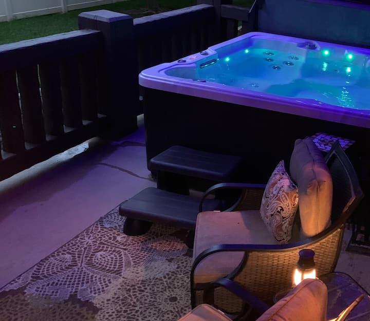 Snowbasin/Lakeside Romantic Gateway w/private spa