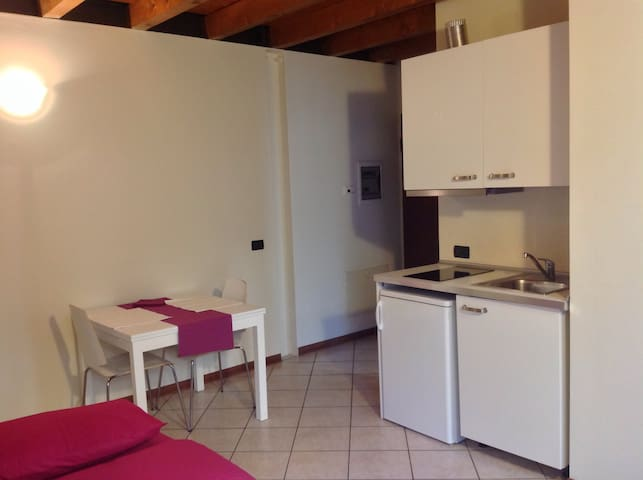Olmo , 1 bedroom apartment, downtown, wifi