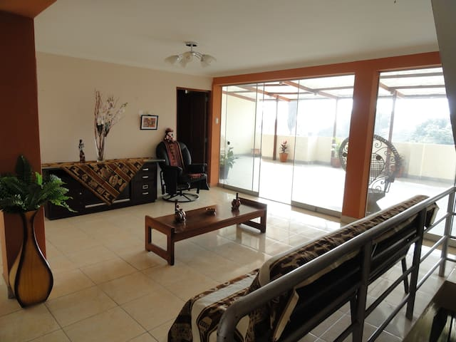 Cozy family lodging close to airport/mall/bus stat - San Martin de Porres