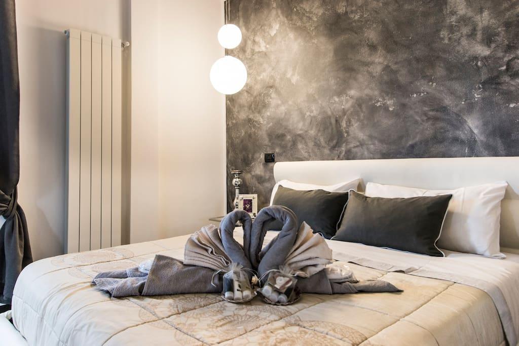 camera da letto piano 1con asciugamani e kit di benvenuto