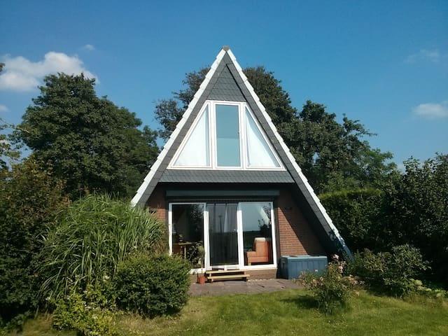 Ruhe und Erholung mit Deichblick an der Nordsee - Wurster Nordseeküste - House