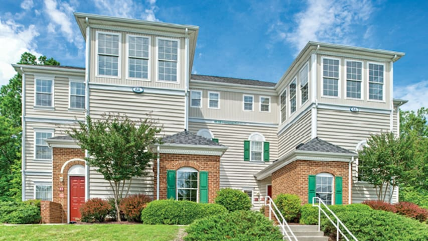 4BDR condo for 12 with all the comforts of home!
