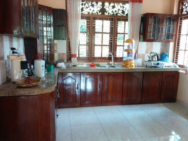 Fully Furnished Two Story house - Gampaha - Huis