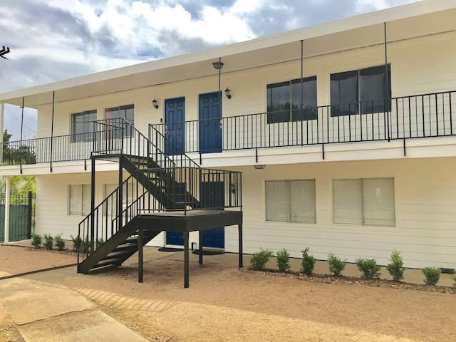Cozy Fully Furnished Unit by Heights 2BR (1)