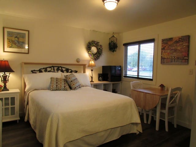 Superior Bay Boutique Motel Unit #5