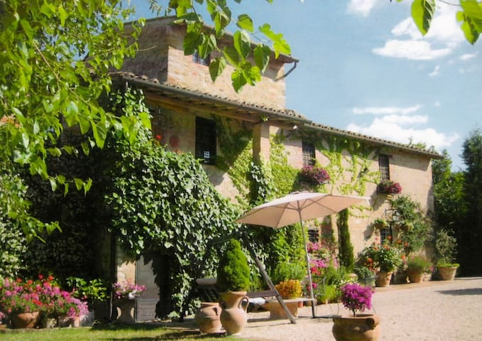 MAGNIFICENT VILLA & POOL 10/12p. near Tuscany - Cibottola - Villa