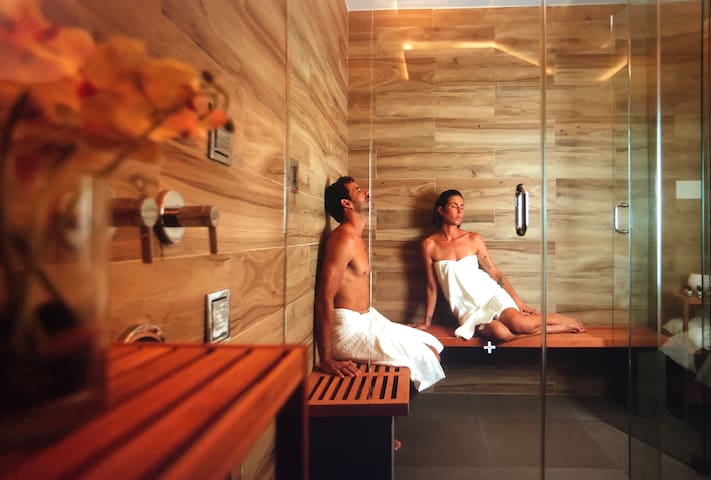 Total Zen Spa Room for Two