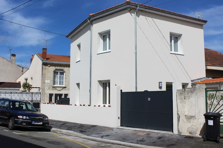 Maison neuve proche centre historique de Bordeaux