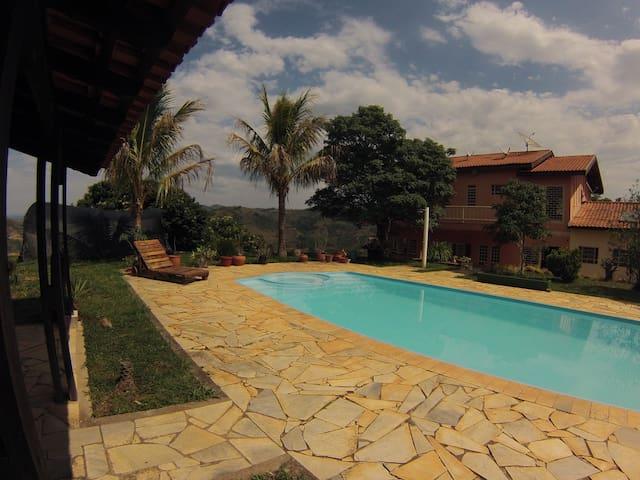 Hostel Rural - Sitio Girassol Suite