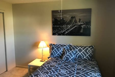 One bedroom Suite w/hospitality center