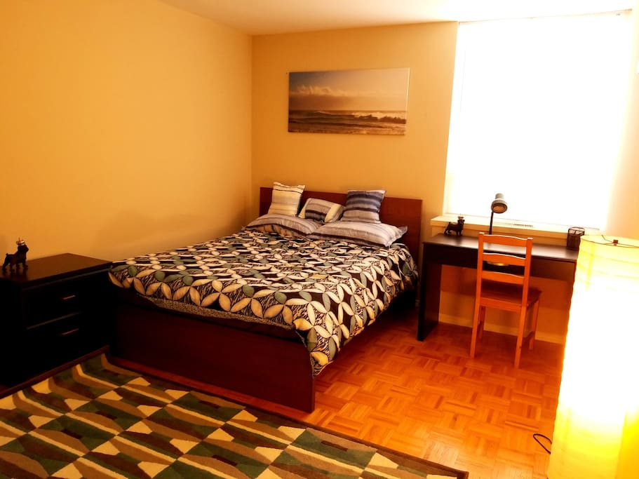 Private bedroom in downtown toronto apartments for rent for Best private dining rooms downtown toronto