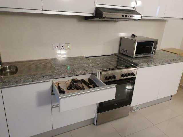 3Room  New Apartment for Long Term Rent in Col-7