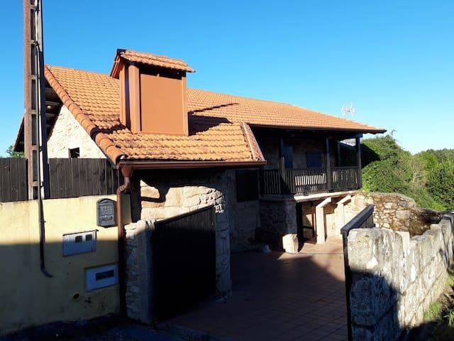 Casa Rural a 2 Km Pazo de la Almuzara - Carballiño