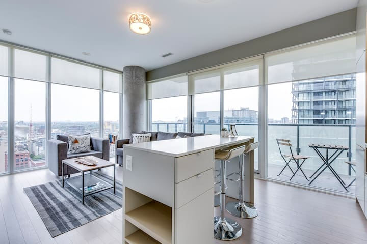 Premium 2BR+2BA King Bed - Downtown/ TIFF/ Skyline