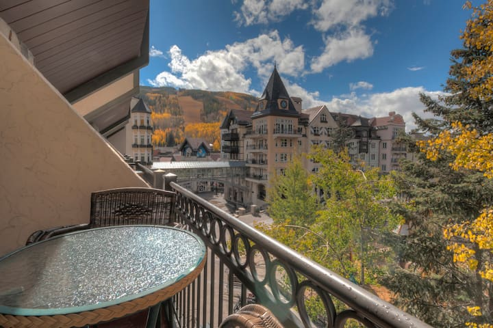 40 Second-Walk to Vail Ski Lifts! Studio, Sleeps 4