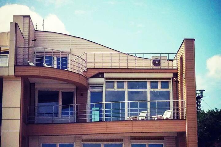 Первая линия моря Club-Hotel-Loft