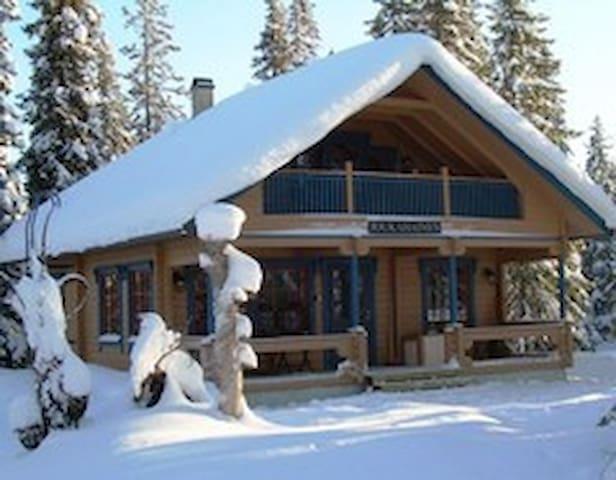 Väinämöinen - Pudasjärvi - Blockhütte