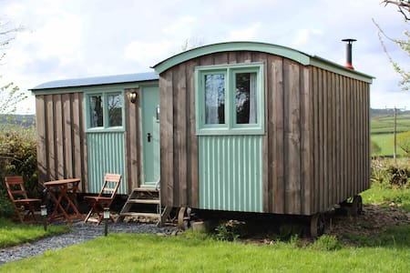 Kellows Orchard Shepherds Hut