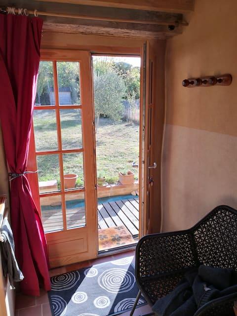 Maisonnette rénovée dans un cadre champêtre