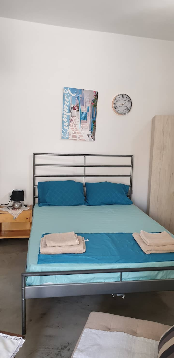Leiva room  new room very close to the beach