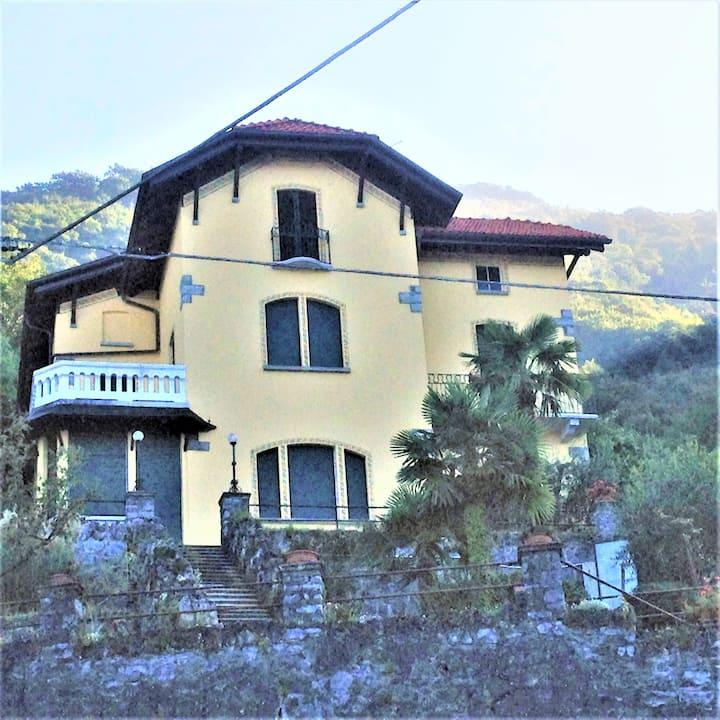 Villa Silvana: private room in a beautiful villa
