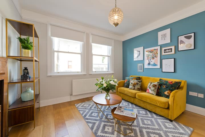 Upscale 3 BR Family Home Private Terrace Howth