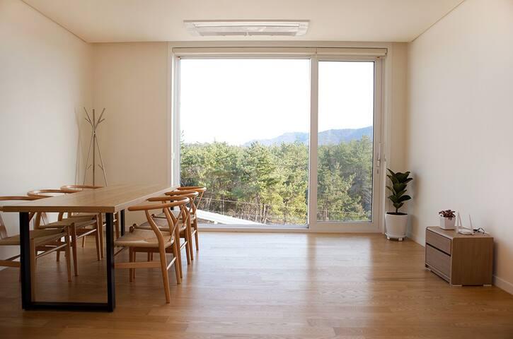 한그루 / 편안하게 휴식할 수 있는 가족룸(다인실, 룸1 거실1)