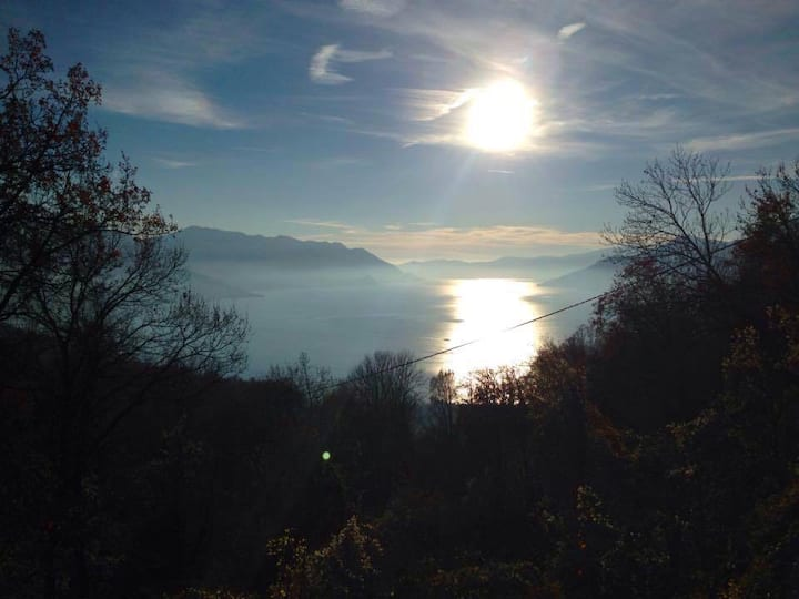 Beautiful home with pool, overlook Lago Maggiore
