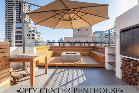 City Penthouse with rooftop hot tub, pool and deck - Johannesburg