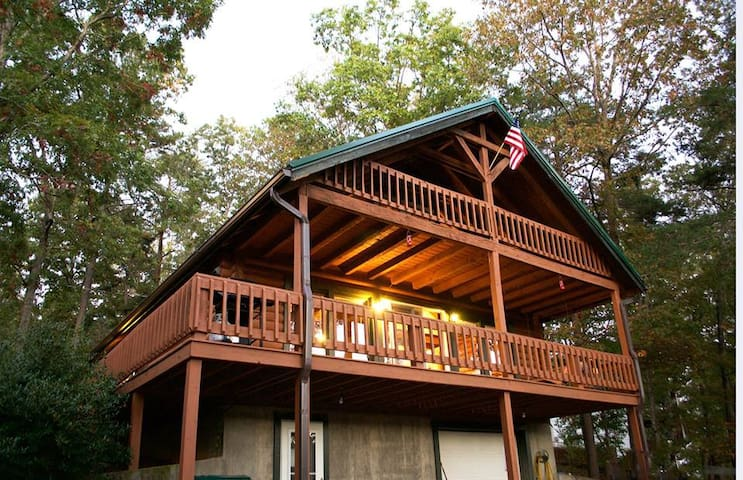 Lake Cumberland Cabin W/ Dock Access- Pets Welcome - Burnside - Cottage