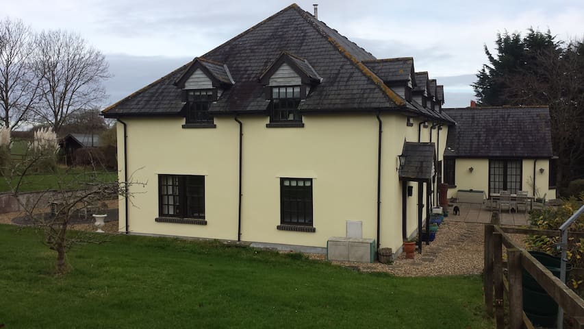 Ground Floor Annexe with own dedicated entrance