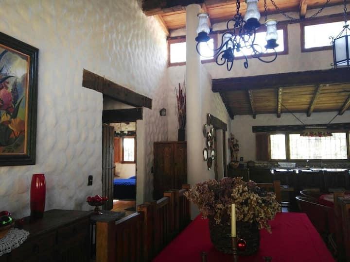 Acogedora Cabaña en Tapalpa para 10 personas