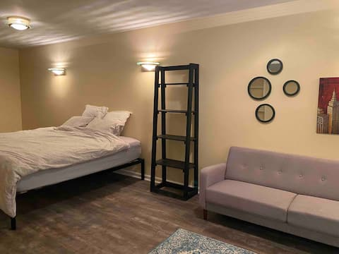Private Guest Suite in Severn w/ private entrance