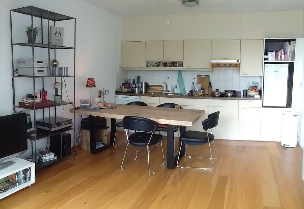 Kitchen with large dinnertable