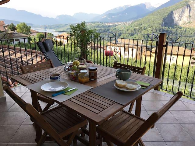 Romantica mansarda in Trentino - Cagnò - บ้าน