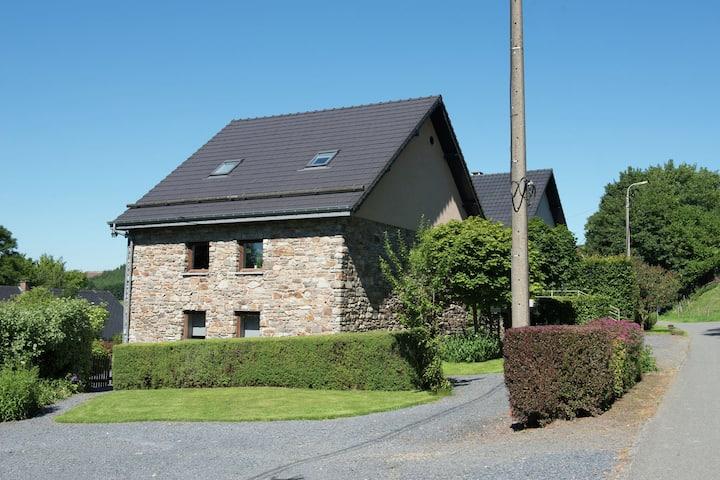 Espaciosa Casa de Campo con Sauna en Libômont
