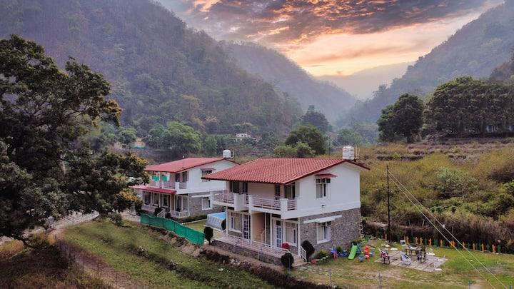 Shiv Villas-Serenity, Nature, Delicious Food, Pool