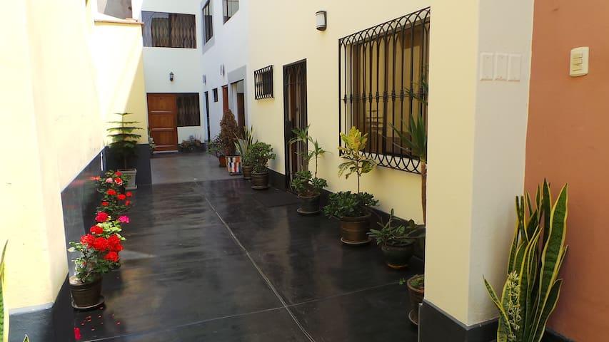 Habitación para 1 Cerca al Mar - Magdalena del Mar - Lima