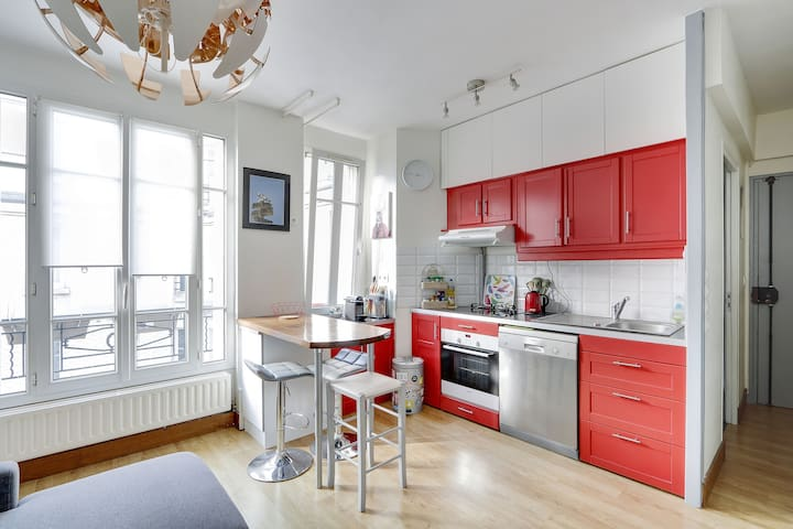 Lovely one bedroom apartment Jules Joffrin / Clign